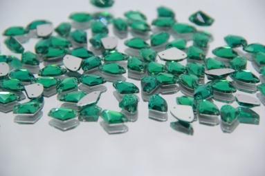 Трикутні стрази 8.5*14 (240PCS) (18# Green) фото
